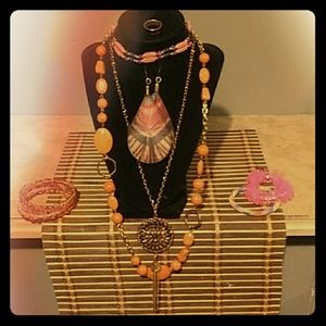 Jewelry - Trippy Hippy 8 piece Jewelry Set